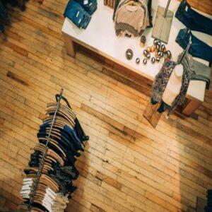 Retail Sore Closings - Hans van Putten - Blog - ashim-d-silva-89336-unsplash-350x350